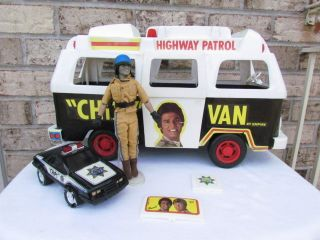 1977 Chips Larry Wilcox Erik Estrada Doll Figure Police Van Car