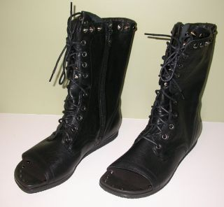 NIB Lisa for Donald J Pliner Ghalib Black Leather Open Toe Boots Shoes