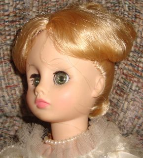 Madame Alexander Doll 14 First Ladies Series Louisa Adams