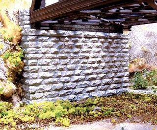 Double Track Cut Stone Bridge Abutment 2 Pack Resin Casting N Scale