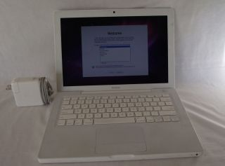 Apple MacBook Laptop A1181 MB062LL B 13 3 10 5 2 2GHz Core 2 Duo