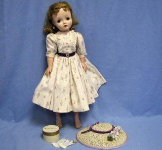 Vintage Madame Alexander 20 Cissy Doll w Original Clothes Hat Hatbox