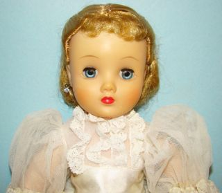 C1959 Madame Alexander Elise Bride Doll Tagged Gown Beautiful