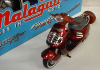 Globo Malaguti Yesterday 50cc Scooter 1 18 Metal and Plastic Model