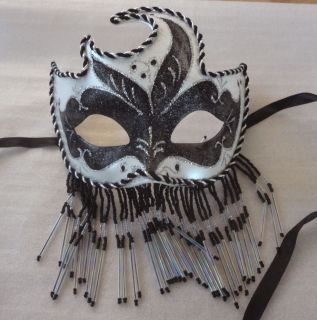 WHITE VENETIAN RENAISSANCE MARDI GRAS COSTUME PARTY FACE EYE MASK