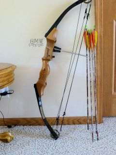 Martin Archery Bobcat Compound Bow Fancy Wood Riser RH 45 60
