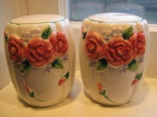 Vtg Shabby High Relief Roses Mary Ann Baker Otagiri Japan Salt PAPPER