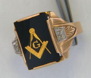 Vintage 1940s 10KT Gold Black Onyx Diamond Masonic Ring