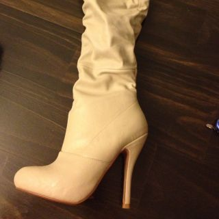 Shoedazzle Cream Colored Thigh High Boots Sz 7