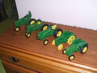 John Deere Farm Toy Tractor Lot of 5 1 16th