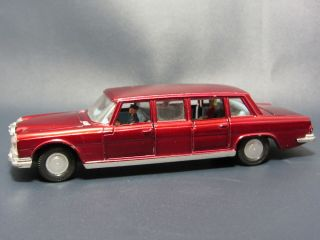Dinky Toys Mercedes Benz 600 Metalic Red Diecast Car Limo Passengers