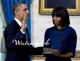 NEW OFFICIAL PRESIDENT BARACK OBAMA SWORN IN 8.5X11 PHOTO W/MICHELLE