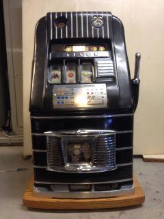 Slot Machine Mills Hi Top 25c Antique Machine