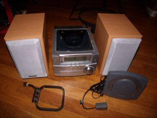 PANASONIC CD COMPACT STEREO SYSTEM SA PM03 Mini Stereo Sounds Great