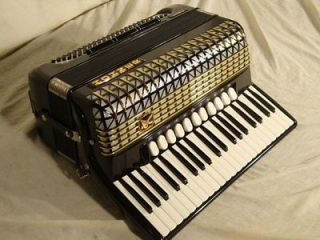 IV DE LUXE ACCORDION FULL PROPHYLACTIC NEAR MINT VINTAGE CASE