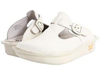 Alegria Womens DONNA White Leather Nursing Clogs Shoes DON 600