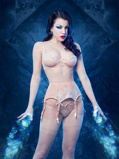 Kiss Me Deadly Retro Style Amelie 6 strap boned suspender belt in