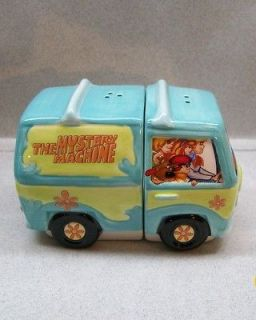SCOOBY   DOO MYSTERY MACHINE TRUCK VAN SALT & PEPPER SHAKERS WG