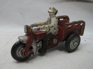 CAST IRON CRASH CAR 3 WHEEL MOTORCYCLE TOY DELIVERY BIKE