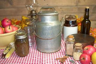 Vintage Metal 4 Quart (1 Gallon) Maine Dairy Farm Primitive Milk Cream