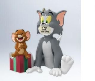 HALLMARK 2012 TOM AND JERRY HOLIDA HIJINKS ORNAMENT NEW IN BOX
