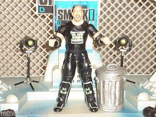 WWF,WWE Road Dogg Jesse James w/Extras  99 Pro Wrestling Figures