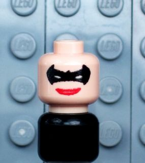 A225 NEW Lego Batman Minifig BATGIRL Custom FLESH HEAD w/ BLACK MASK