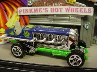 2010 Halloween Hot Wheels Scary★torpedo Jones★glow Dark