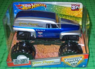 2012 Hot Wheels Monster Jam 124 Scale   Grave Digger the Legend   New