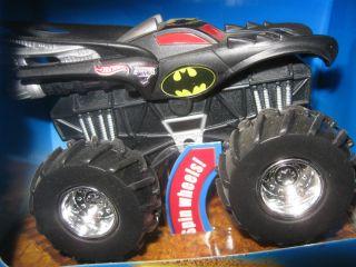 BATMAN 2009 Hot Wheels 1 43 Scale Rev Tredz Monster Jam Monster Truck