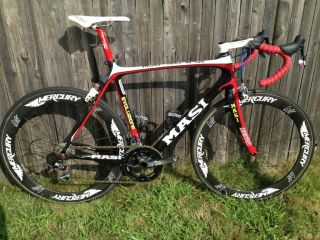 Evoluzione Road Bike Carbon SRAM Red Mercury M5 Carbon Wheels
