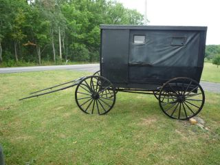 AMISH Horse Go to Meeting BUGGY w Wood Wheel Tires Enclosed Cab Cart