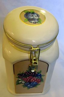 cookie jar marked on bottom made exclusively for knott s berry farm